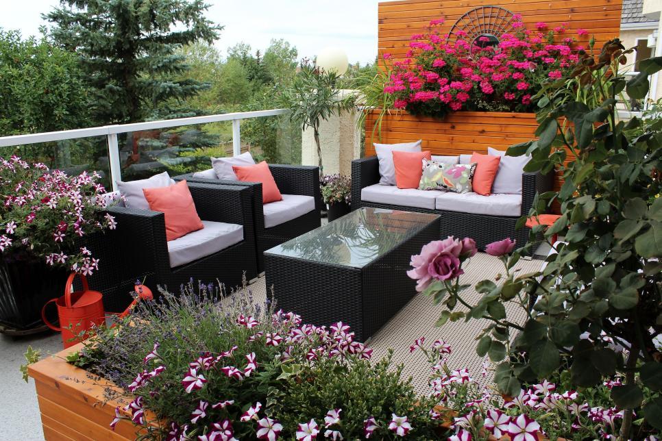 Tips For A Beautiful Balcony Garden