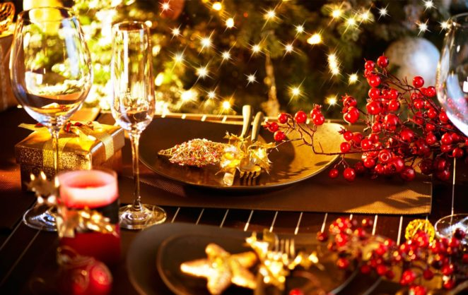 New Year Celebration: Some Simple Ideas For The Festive Table Decoration    Virily