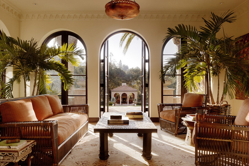 Tips For Living Room In Mediterranean Style Furniture Textiles Decor Accents Virily